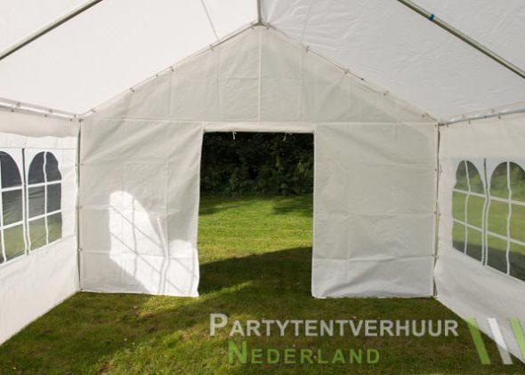 Partytent 4x4 meter binnenkant met deur open - Partytentverhuur Leiden